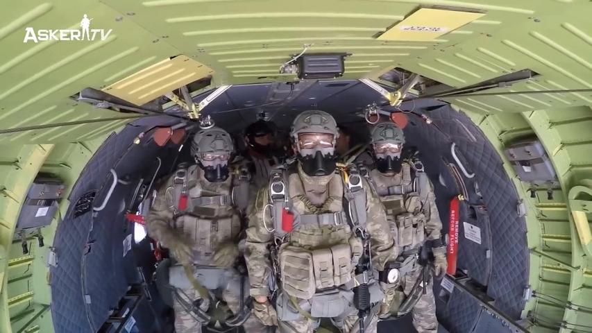 Özel Kuvvetler Komutanlığı Paraşüt Atlayışı